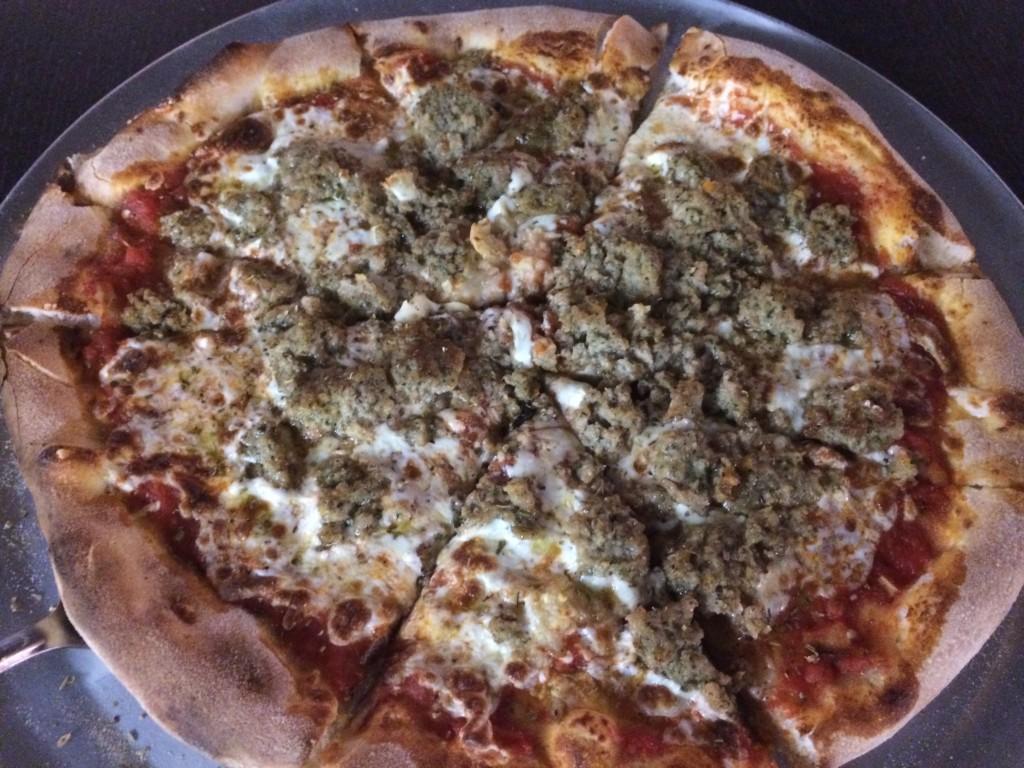 V Pizza - Pizza Bolognese