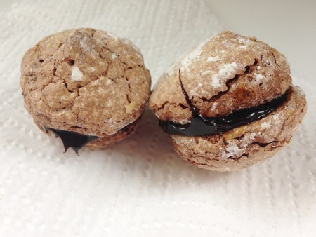 Aroma Corner - Brownie Macarons