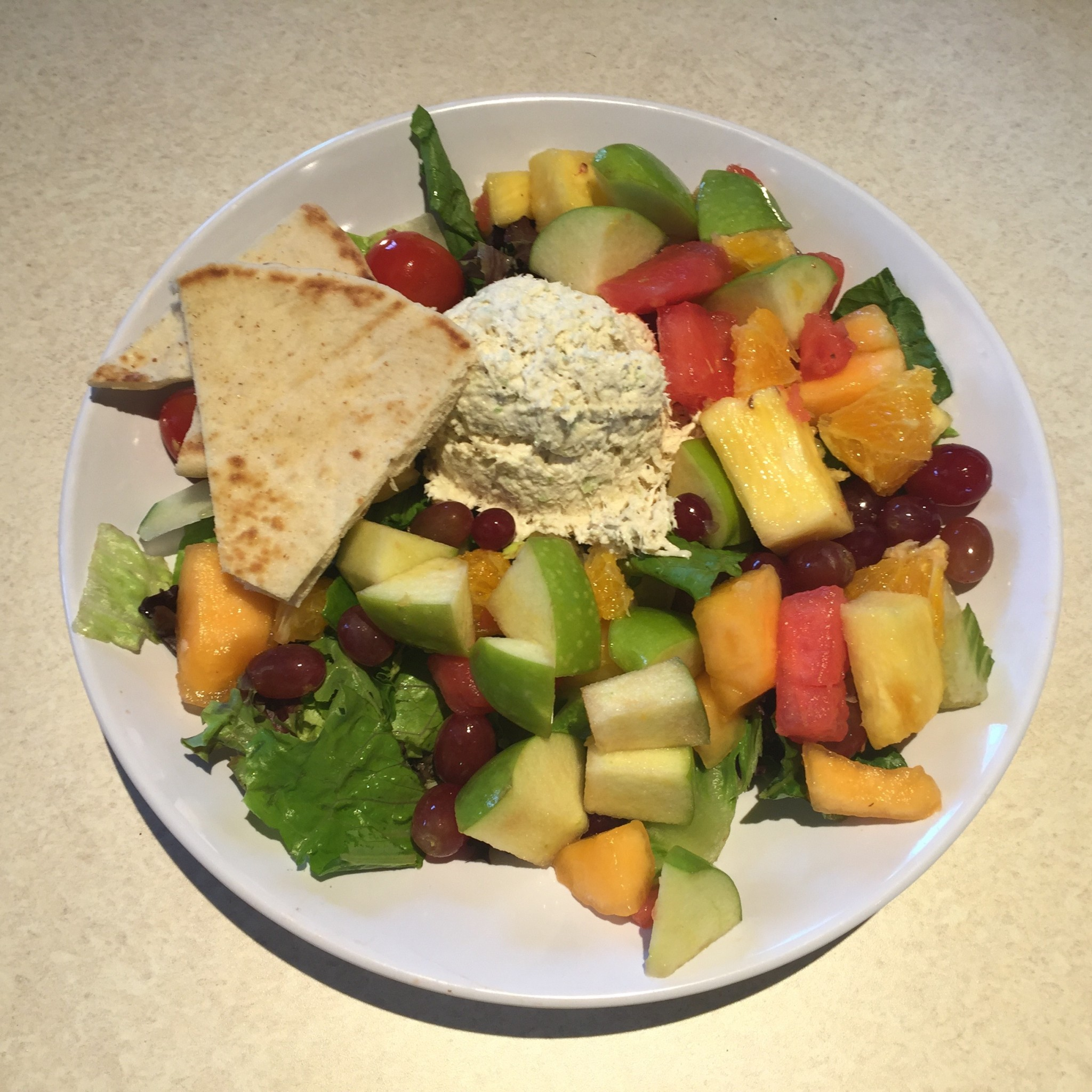 Zoës Kitchen – Chicken Salad and Fruit
