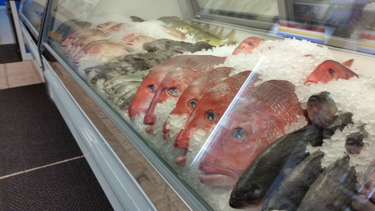 Sid and linda 39 s fresh fish jacksonville restaurant reviews for Fish market jacksonville