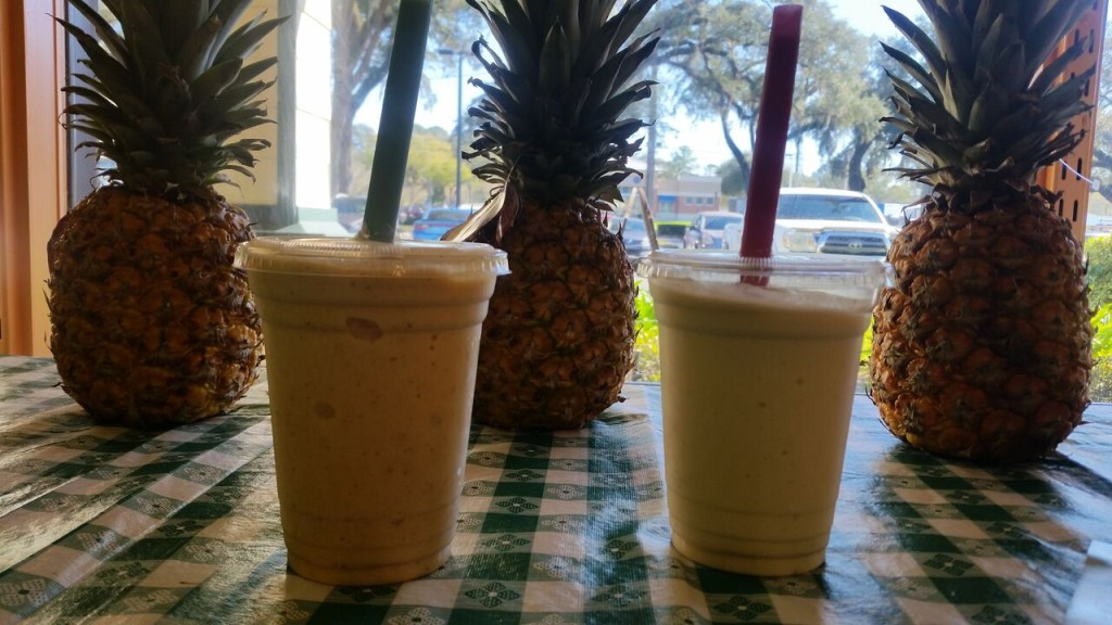 Tropical Fruitland - Smoothies and Pineapples