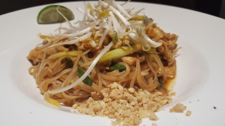 Kaika Teppanyaki - Chicken Pad Thai