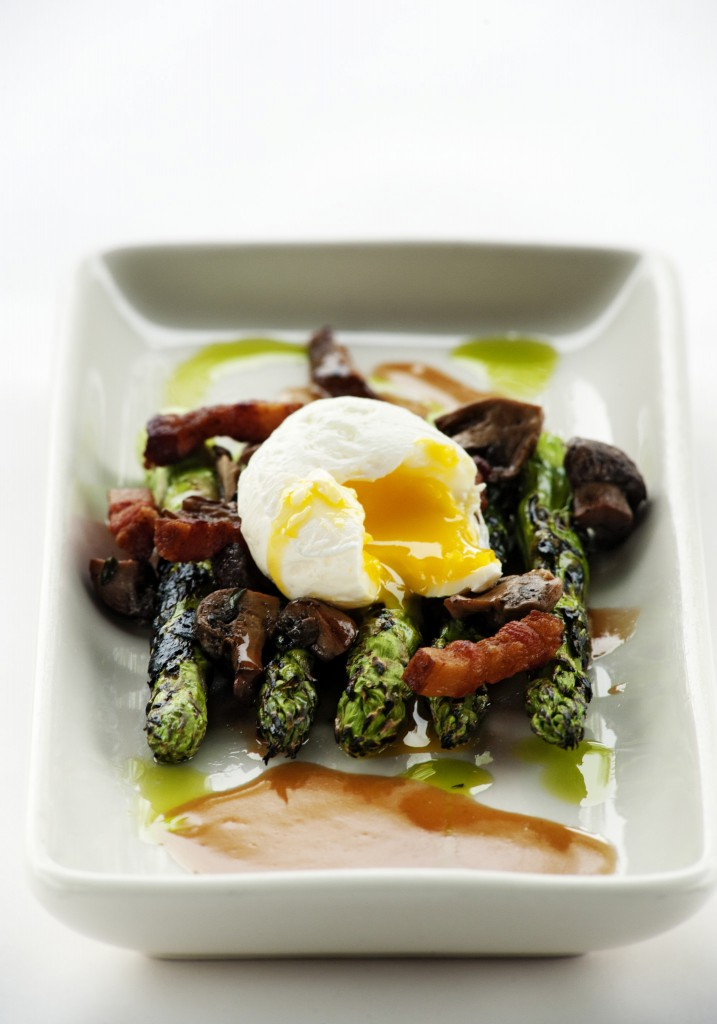 Taverna - Asparagus with Poached Egg